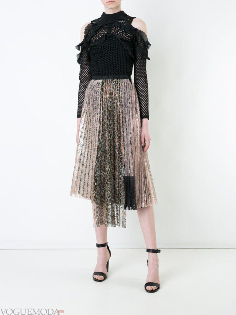 уличная мода на плиссированная юбка кружевная