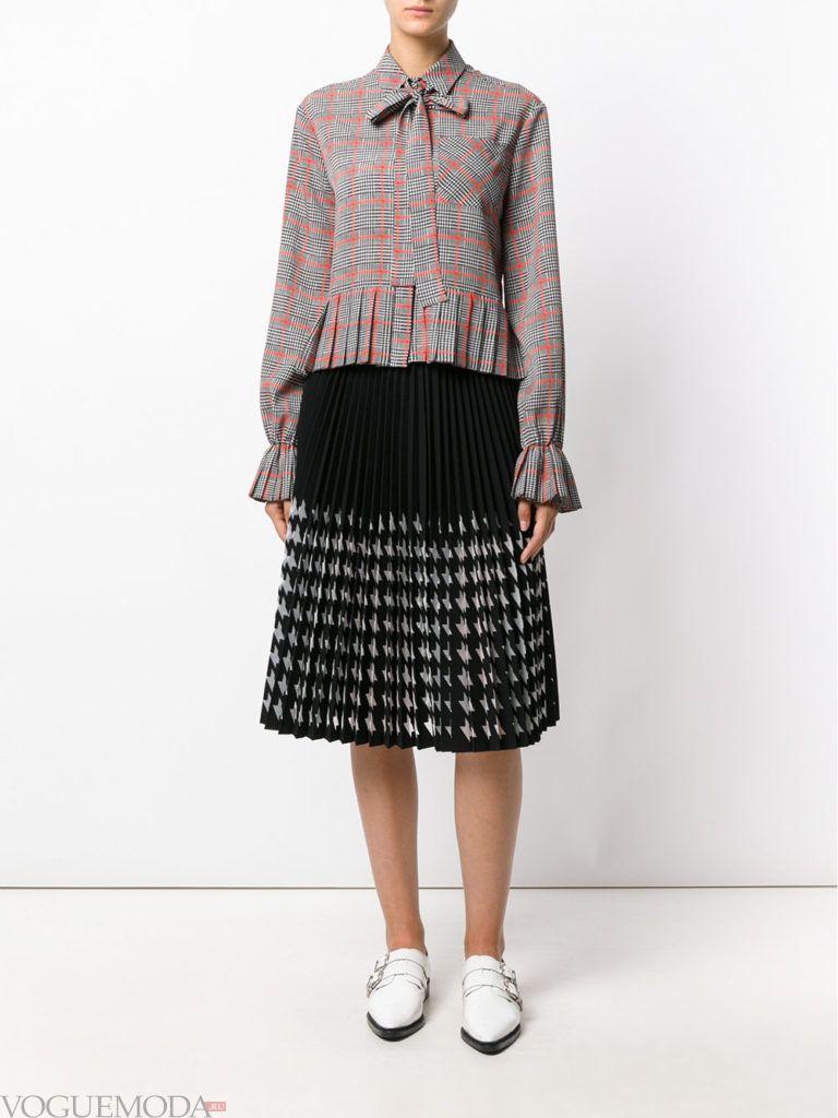 уличная мода на плиссированная юбка прозрачная