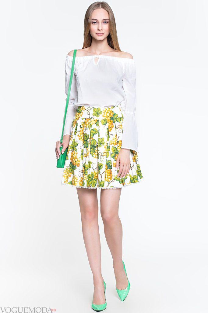 модная плиссированная юбка с узором