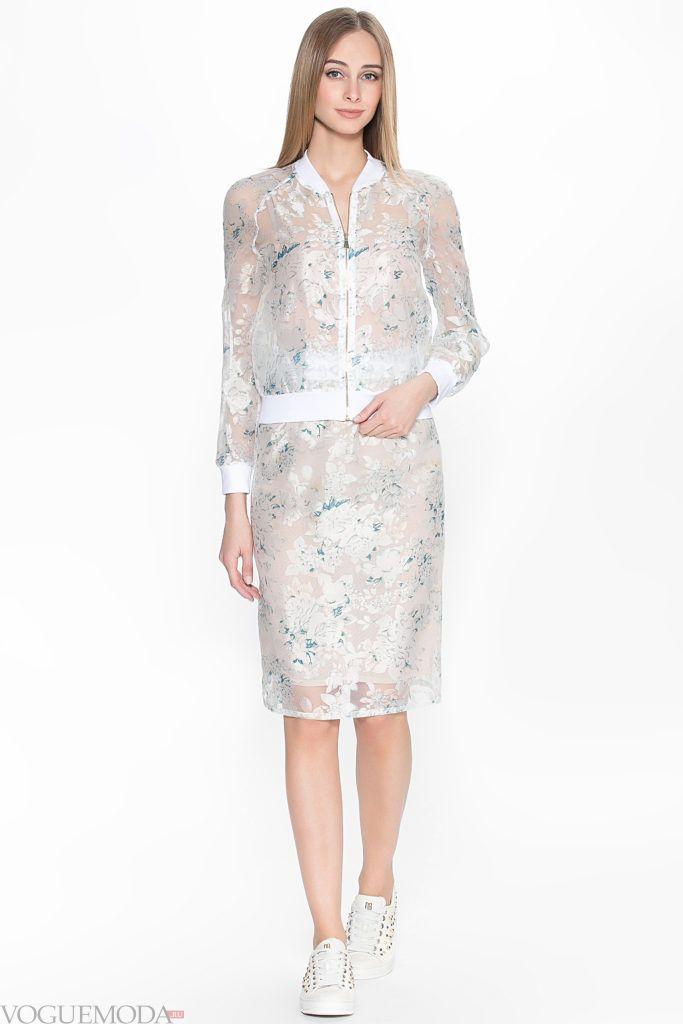 модный костюм с прозрачной ткани