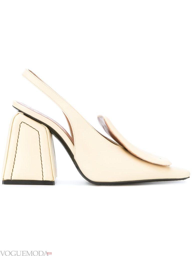модные уличные бежевые туфли