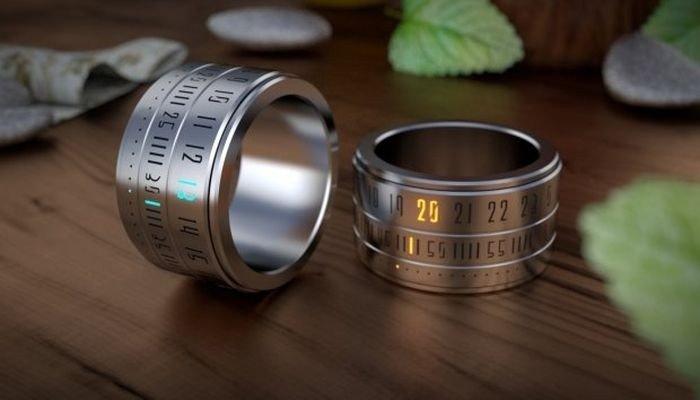 часы молодежные: браслет из металла в три ряда