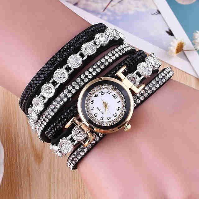 женские часы с длинным ремешком: черные с белыми камнями