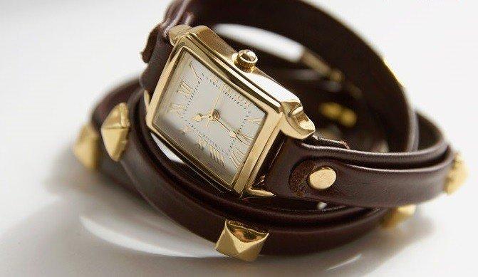 женские часы с длинным ремешком: коричневые