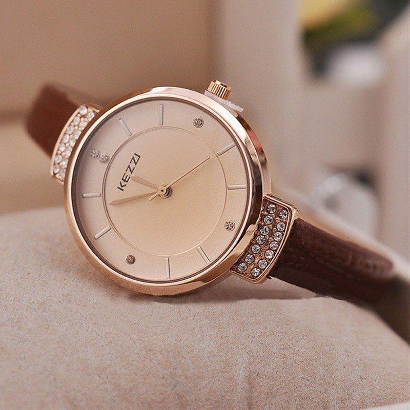 классические женские часы круглые золото