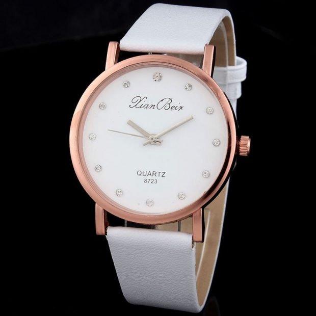 женские часы: классические белые круглые