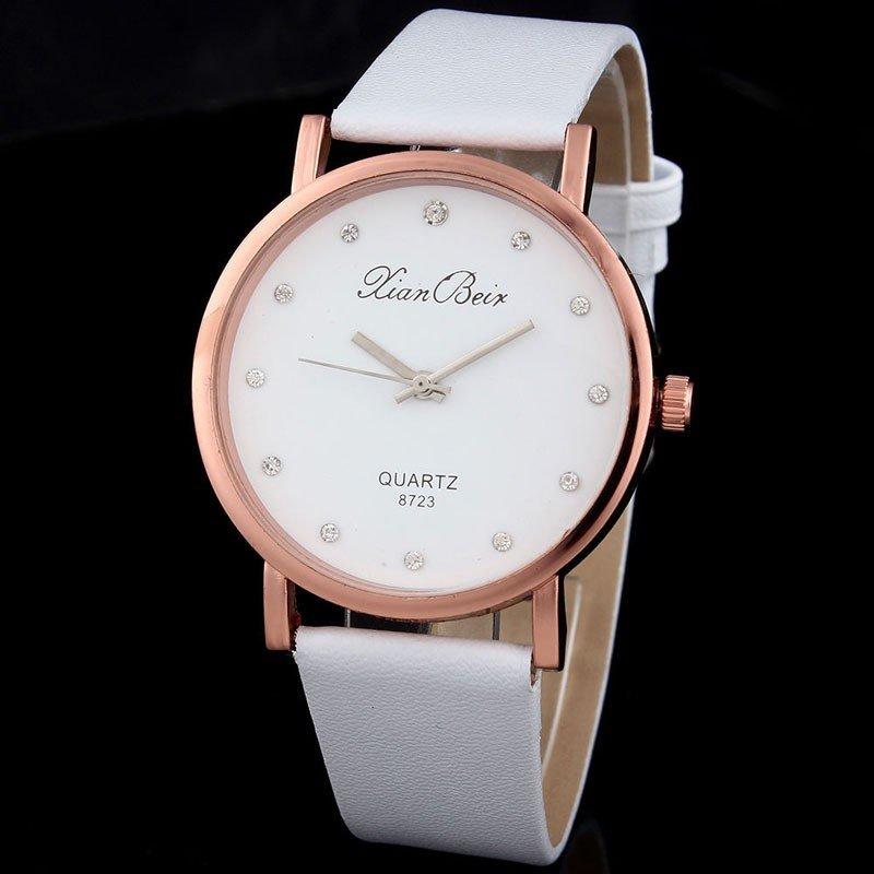 классические женские часы: белые круглые