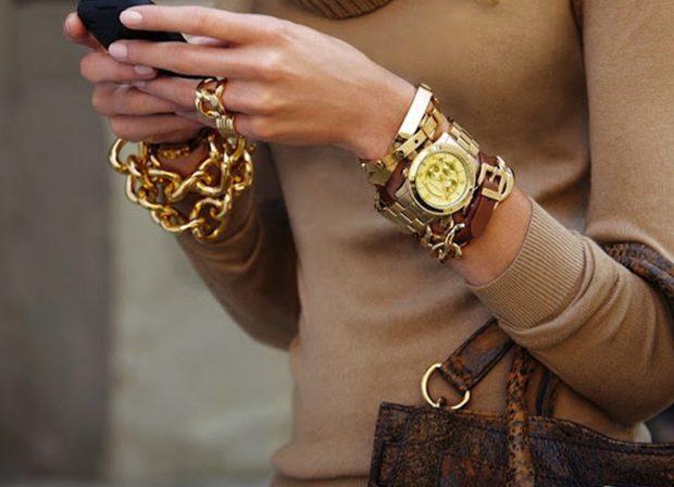 Женские модные часы 2021: с длинными ремнями с золотом