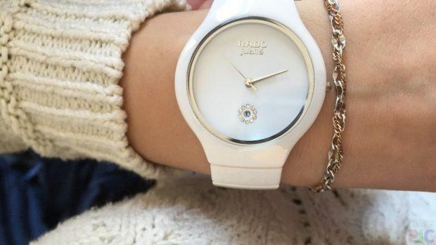 Женские модные часы 2021: круглые белые каучук