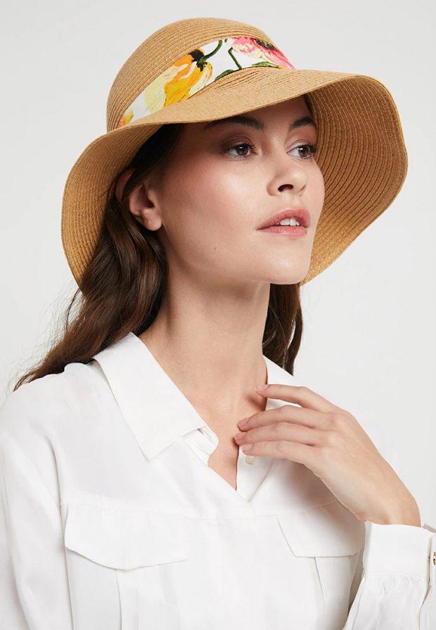 головные уборы 2019 2020: шляпа с принтом