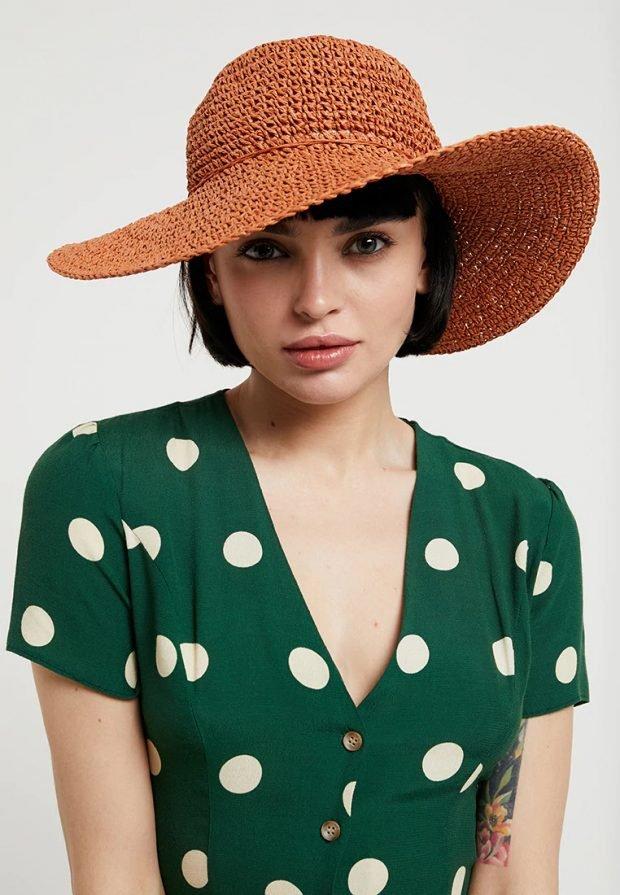 головные уборы 2021: коричневая шляпа