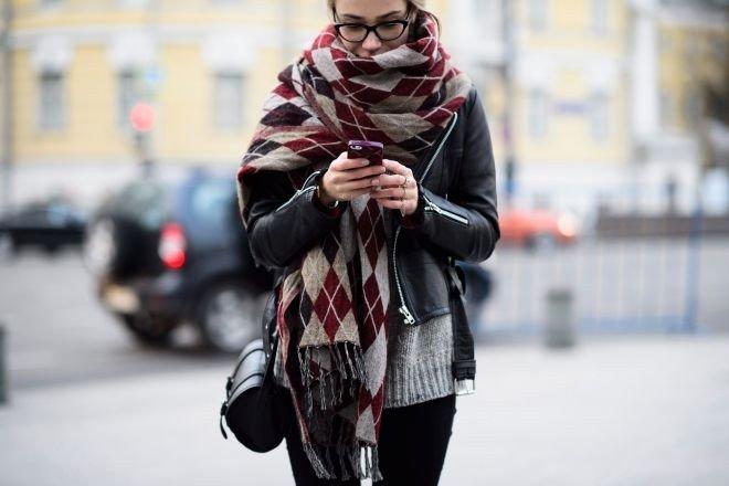 объемный шарф вокруг шеи