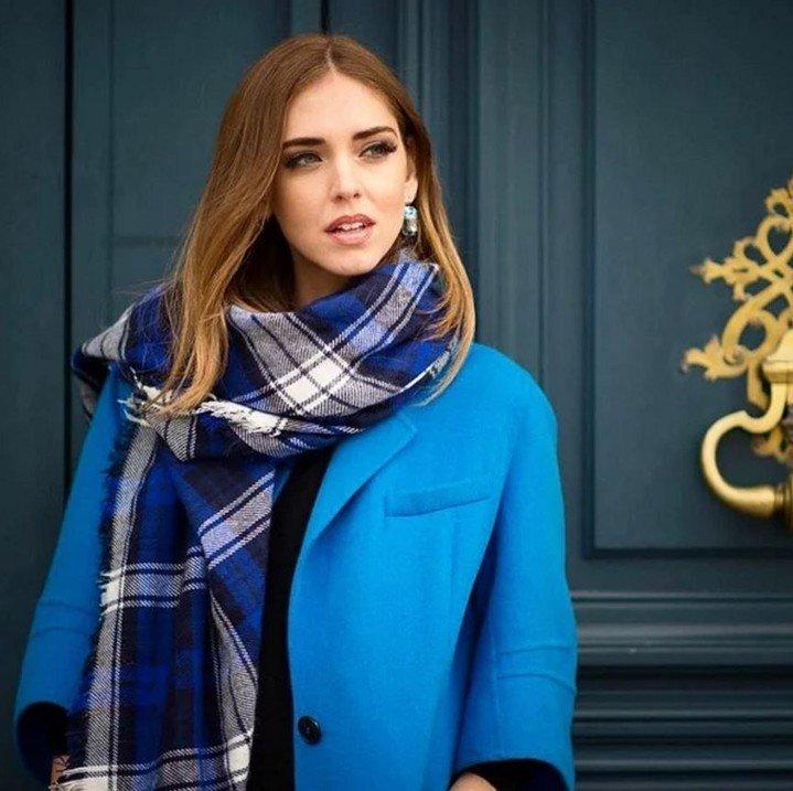 шарф в клетку синий с белым