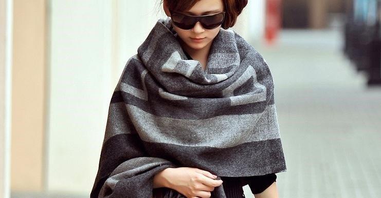 как красиво завязать шарф- платок серый в два тона