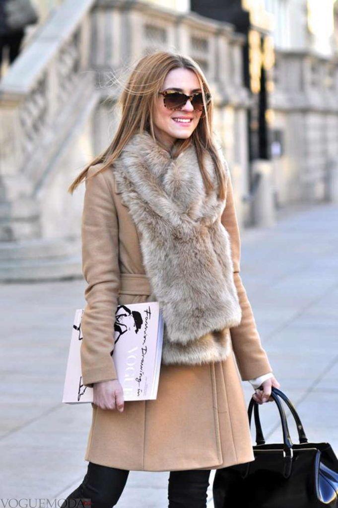 как красиво завязать шарф под пальто меховой серый