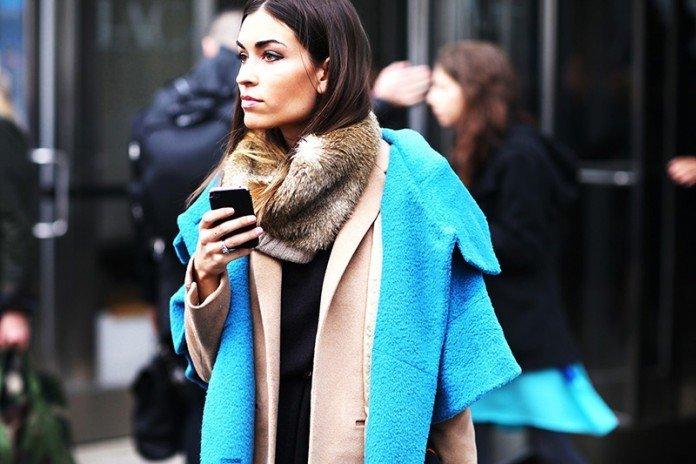 как красиво завязать шарф под пальто меховой