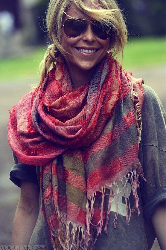 как красиво завязать шарф-платок в клетку