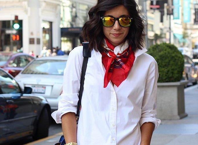 как красиво завязать шарф-платок красный с белым