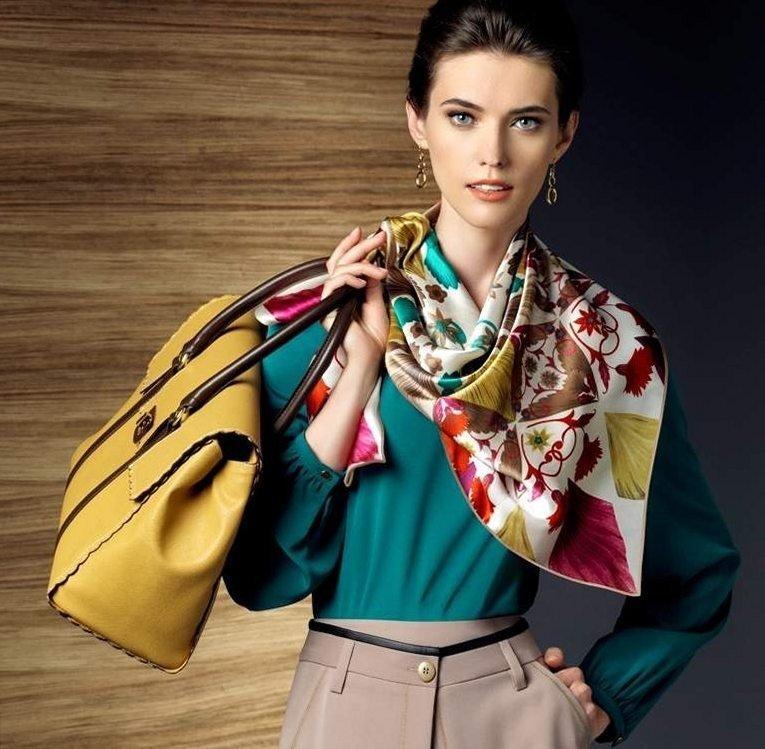 как красиво завязать шарф-платок цветной шелковый