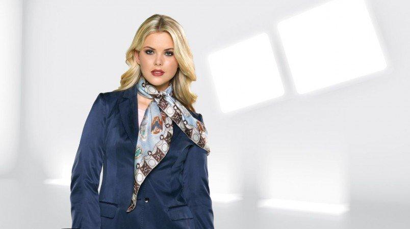 как красиво завязать шарф-платок голубой с серым