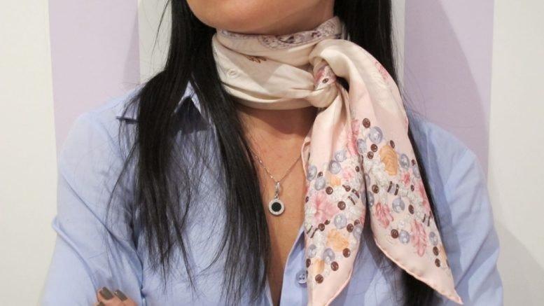 как красиво завязать шарф платок бежевый