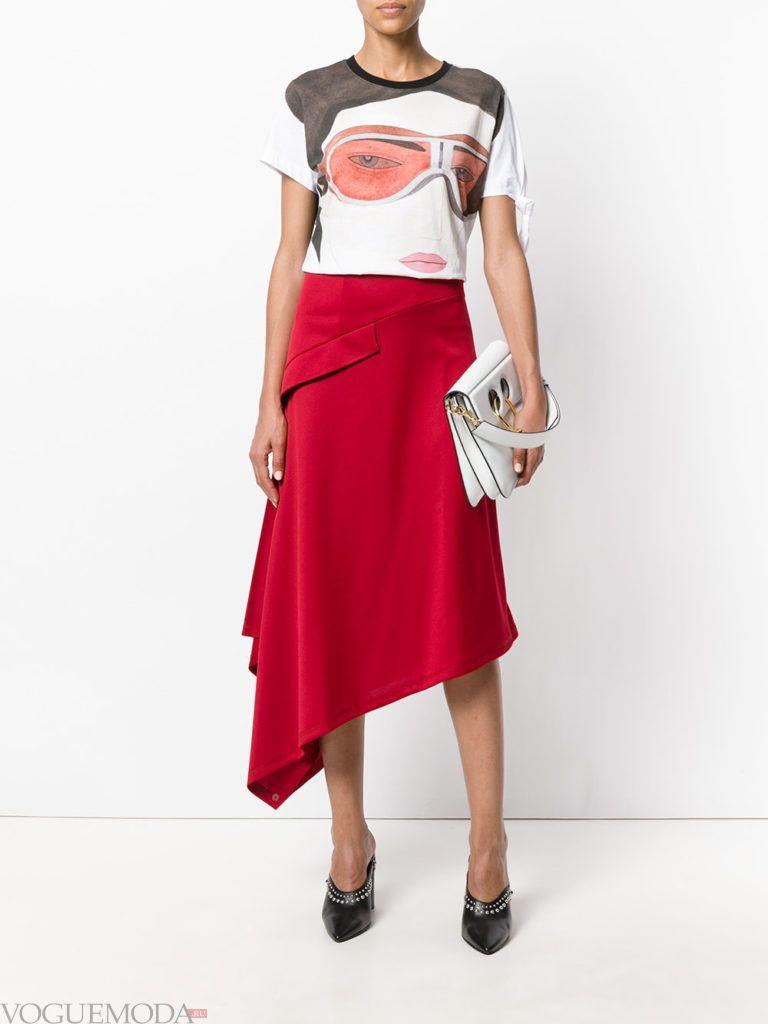 асимметричная красная юбка с туфлями