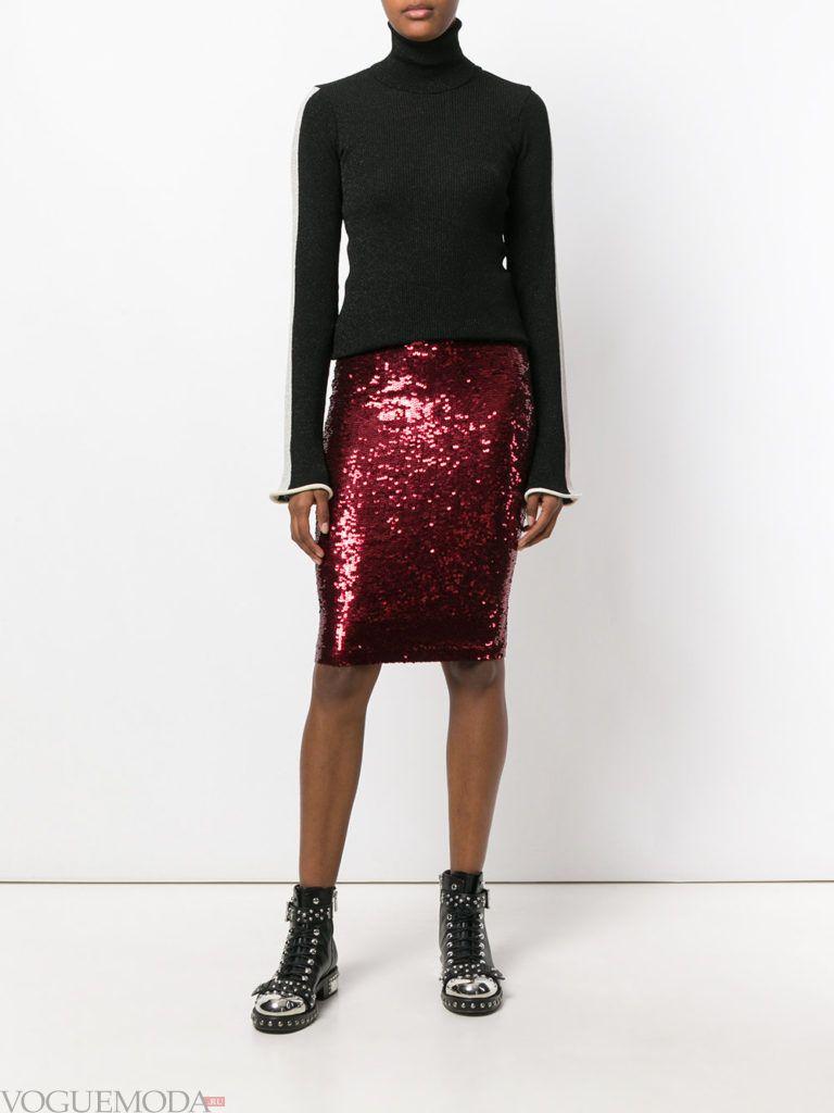 красная юбка с блестками