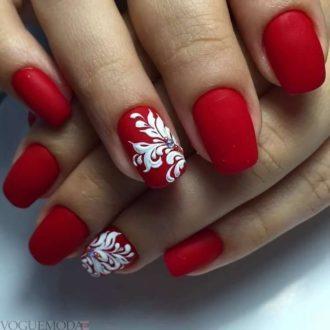 красно-белые ногти с рисунком