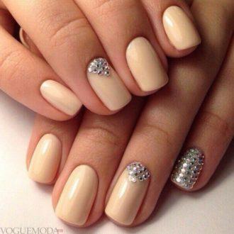 ногти персиковые