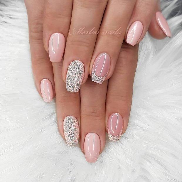 бледно-розовый с втиркой
