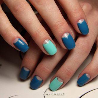 френч полумесяцем синий