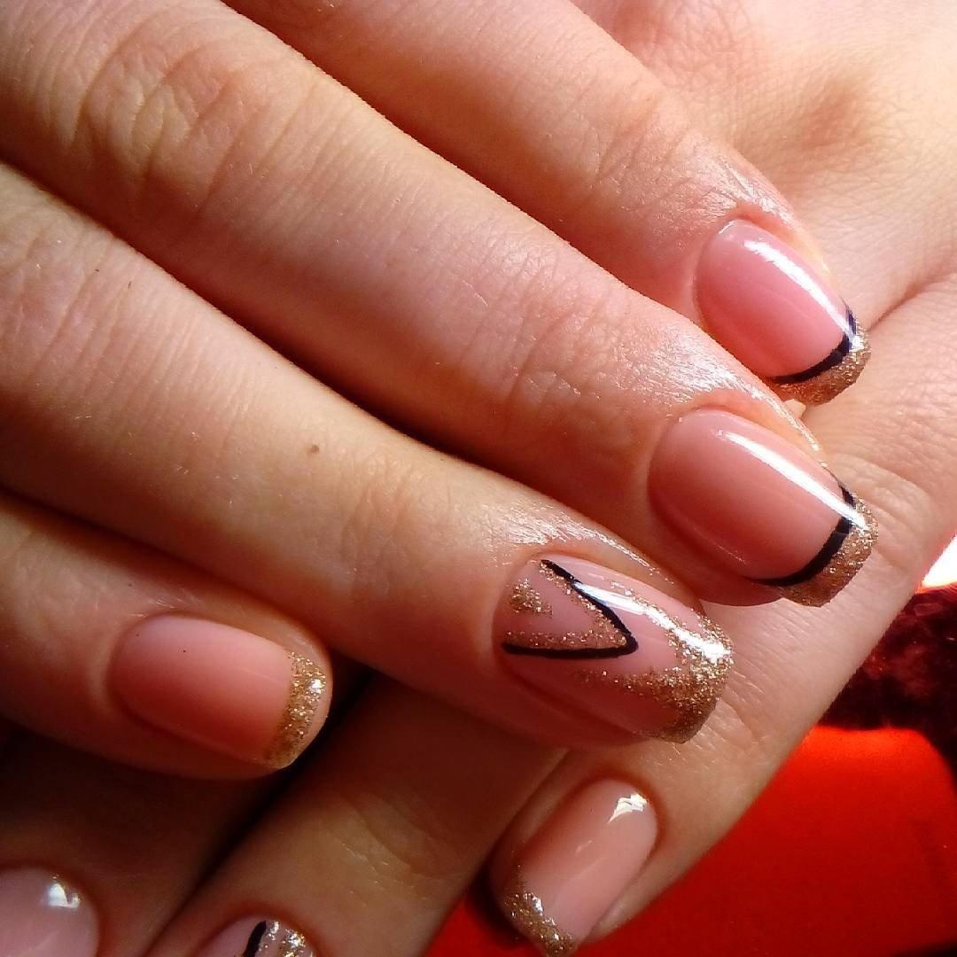 Стильный френч на ногтях фото