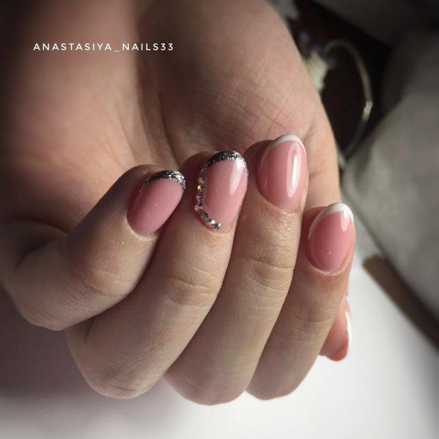Маникюр на короткие ногти: розовый френч