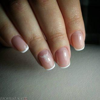 белый френч на короткие ногти