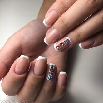 френч с декором на короткие ногти