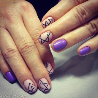 короткие цветные ногти с полосками