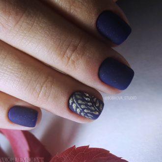 короткие ногти «matte» фиолетовые