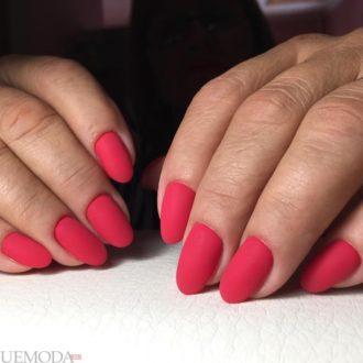 короткие ногти «matte» красные
