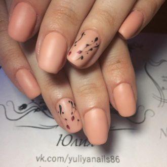 короткие ногти «matte» бежевые