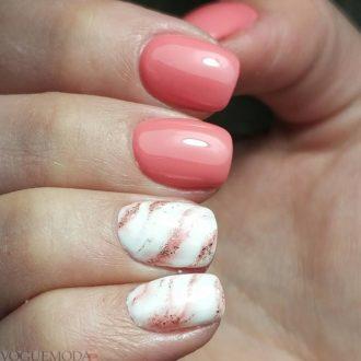 абстракция на короткие розовые ногти