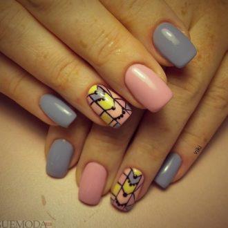 абстракция на короткие разноцветные ногти