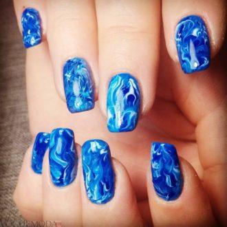 абстракция на короткие синие ногти