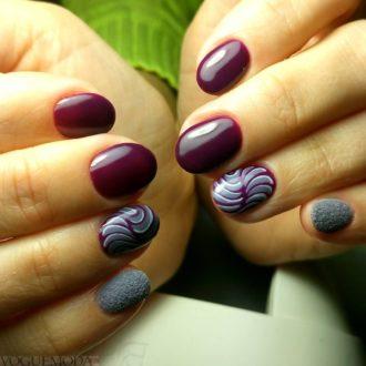абстракция на короткие бордовые ногти