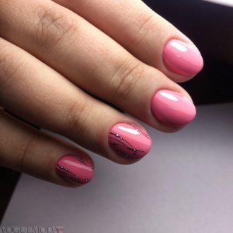 короткие модные ногти