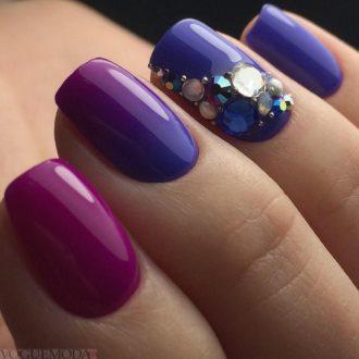короткие фиолетовые ногти