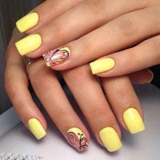 короткие желтые ногти