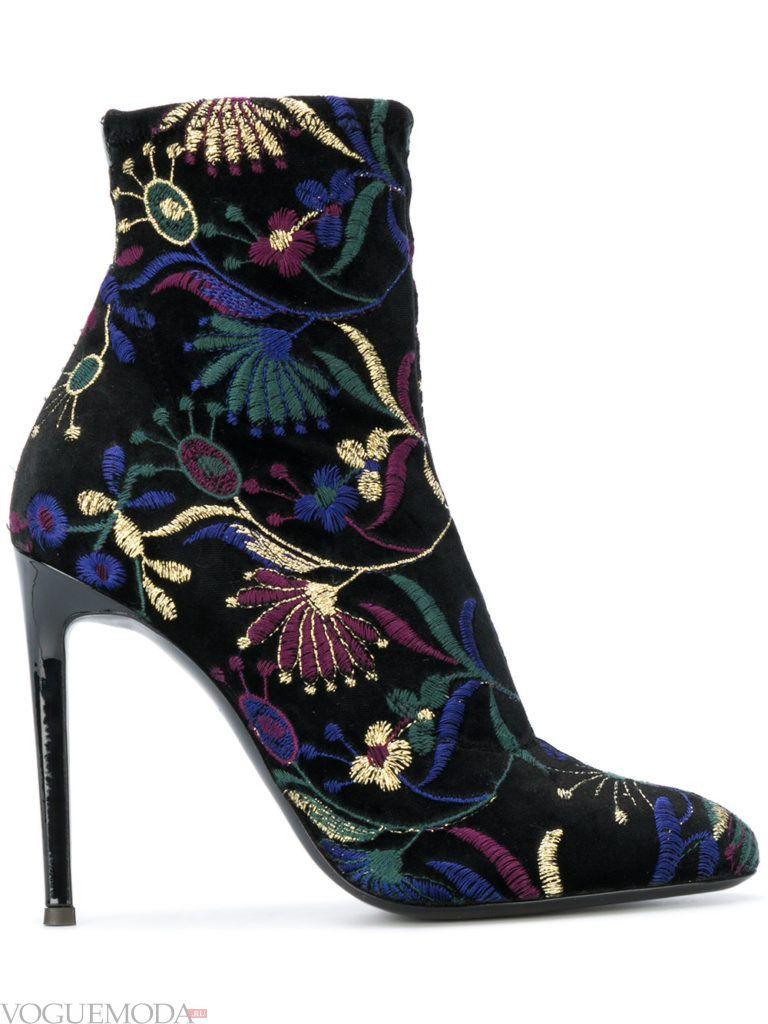 ботинки на шпильке с рисунком