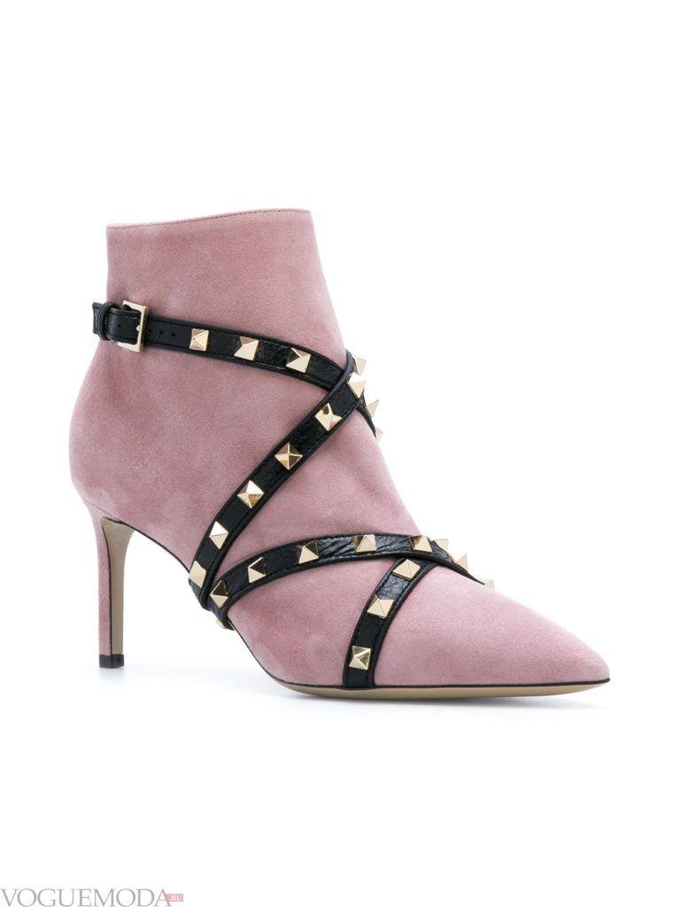 сиреневые замшевые ботинки
