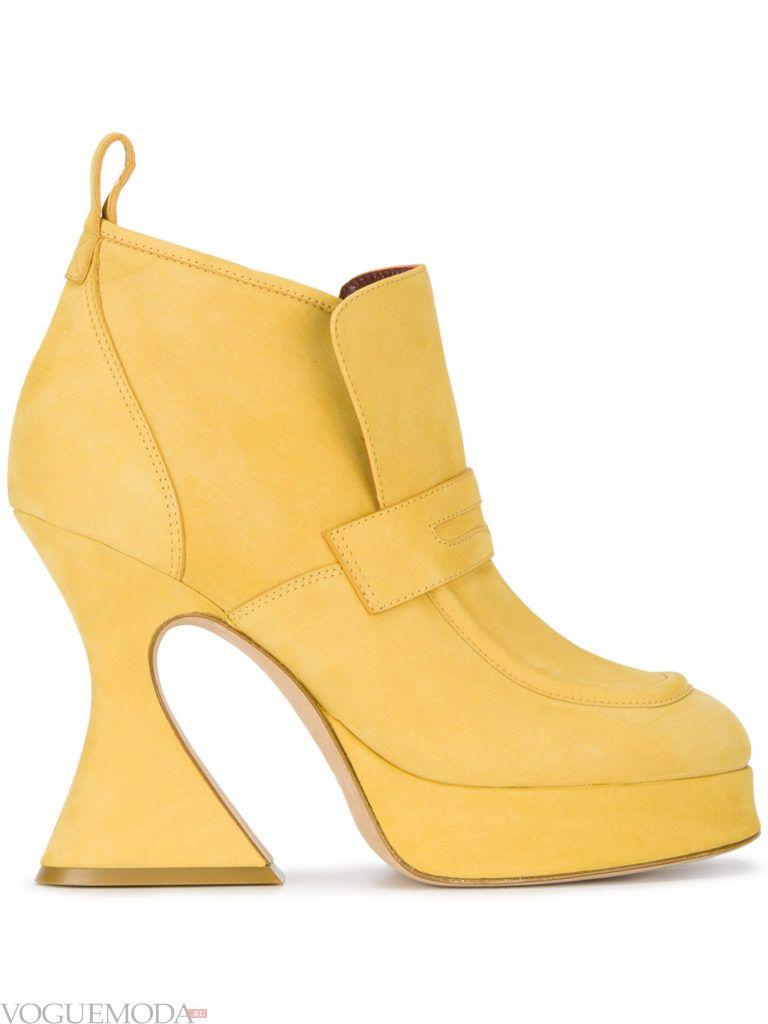 модные ботинки на высоком каблуке