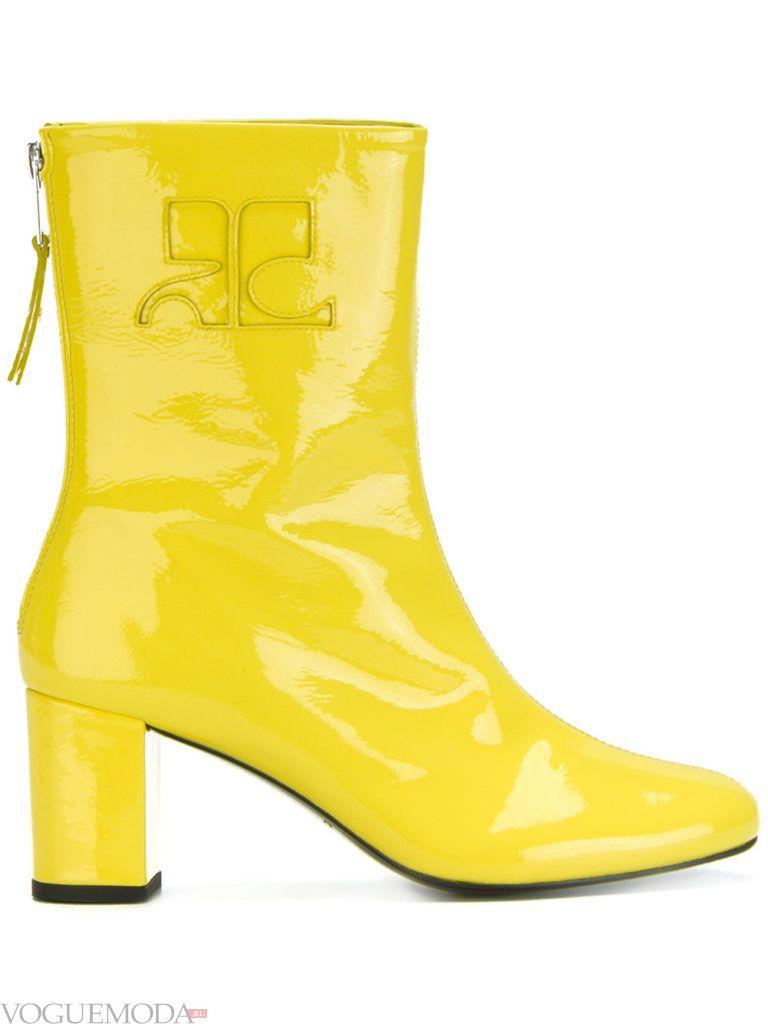 желтые ботинки на высоком каблуке